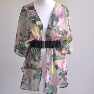 H&M Floral pastel colored blouse tunic with belt